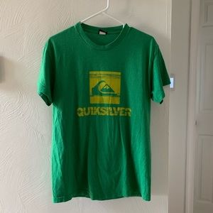 QUIKSILVER mens T-shirt size medium